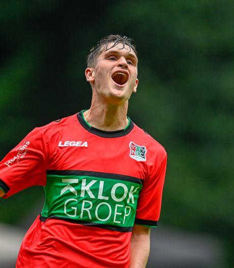 NEC vernedert eigen amateurs met 13-1, zes treffers van Belg Baeten