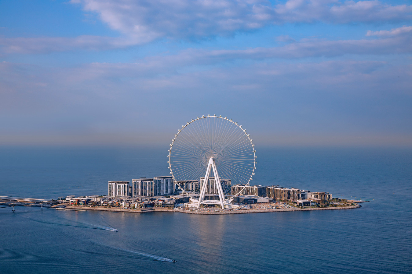 Het enorme reuzenrad bevat 30 procent meer staal dan de Eiffeltoren.
