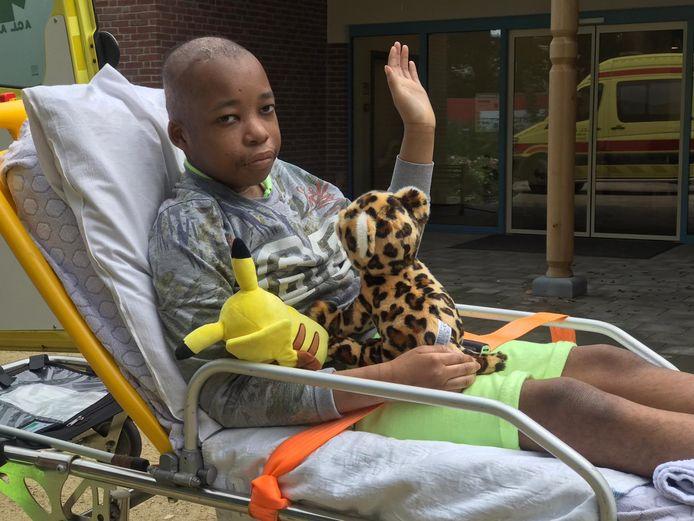 Sergino op het moment dat hij naar het Sint-Elisabeth ziekenhuis in Turnhout gaat