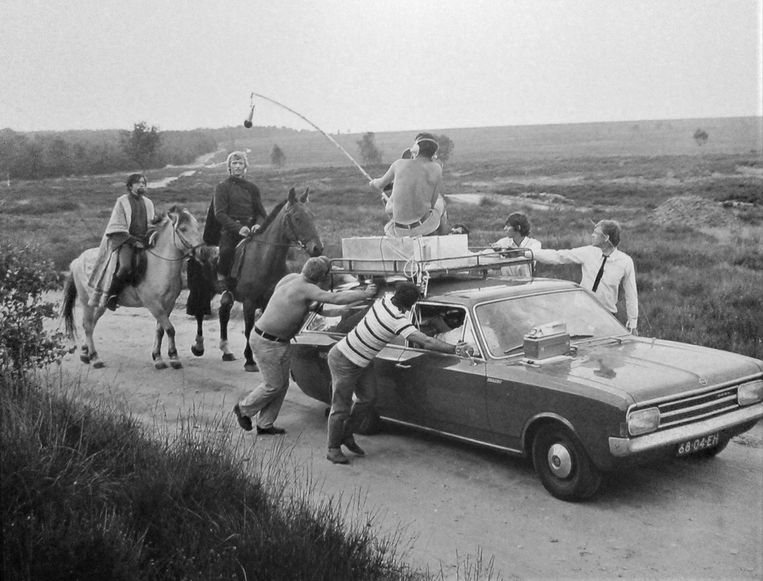 Een foto van de opnamen van ridderserie Floris, uit het boek 'Floris, het complete verhaal achter de succesvolle televisieserie' van Jaap Kooimans. Beeld