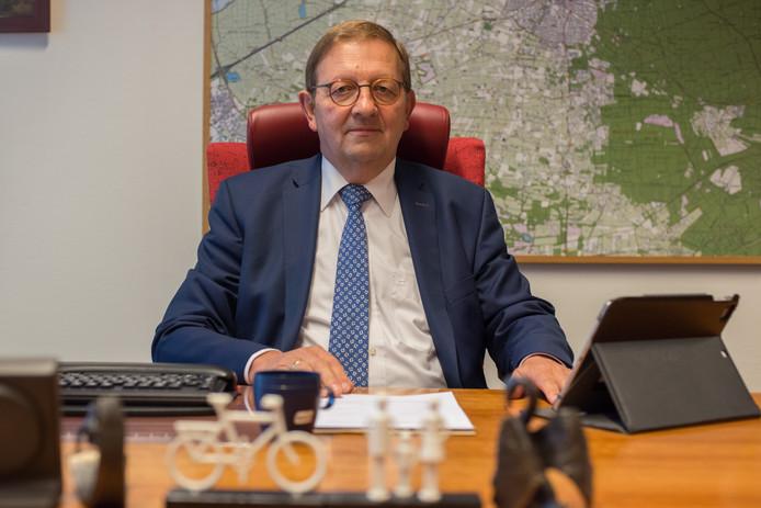 Vertrekkend wethouder Nico Gerritsen is aan zijn laatste week begonnen voor de gemeente Putten.