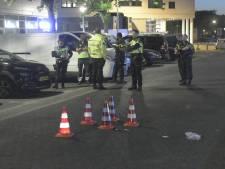 Automobilist (23) rijdt twee mensen aan, laat hen zwaargewond achter en rijdt door