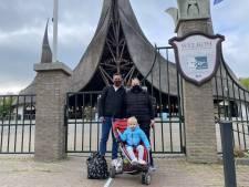 Efteling is geopend, Jeroen en Wendy stonden al sinds 7 uur voor de poort: 'Eindelijk mogen we weer!'