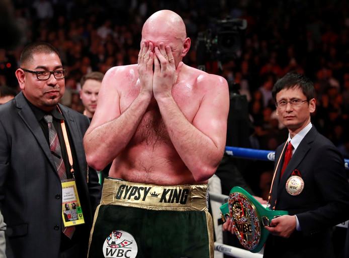 Fury is overladen van emoties na zijn bokskampioenschap tegen Wilder.