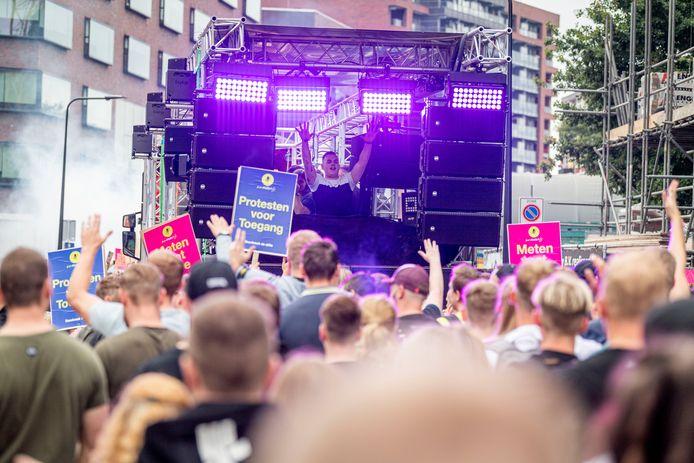 Protestmanifestatie Unmute Us bracht zaterdag volgens de organisatie 12.000 bezoekers op de been in Enschede.