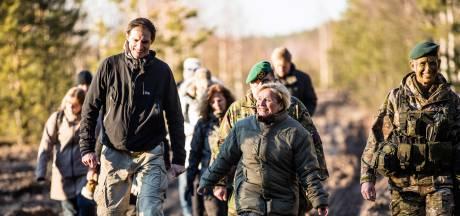 Ank Bijleveld wil meer geld en gaat op pad met 'meneer van de centen'