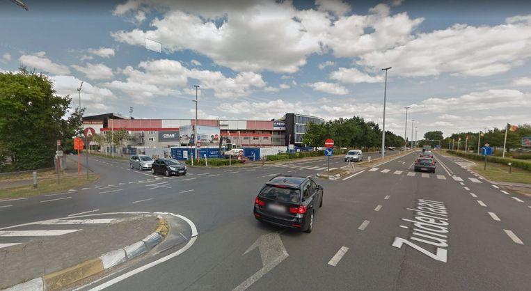 Het kruispunt van de Zuiderlaan en de Meersstraat (links)