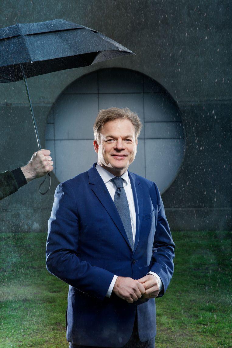 Pieter Omtzigt werd geïnterviewd in het Magazine. Agaath Bruin uit Heemskerk vindt het 'jammer hoe John Schoorl (hem) ophemelt'.   Beeld Eddo Hartmann