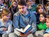 Niet alleen keeper bij FC Utrecht, maar ook een boekenwurm: Maarten Paes leest voor