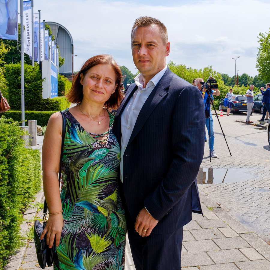 Peter en Jessica Bats uit Zutphen in Nieuwegein bij de persconferentie