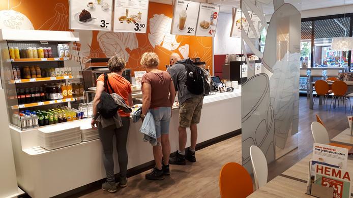 De lunchroom is tegenwoordig een onlosmakelijk onderdeel van het concept voor een middelgrote Hema, zoals deze aan het Keizerserf in Nijverdal.