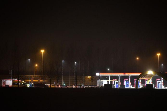 Het benzinestation langs de A16 werd afgesloten.