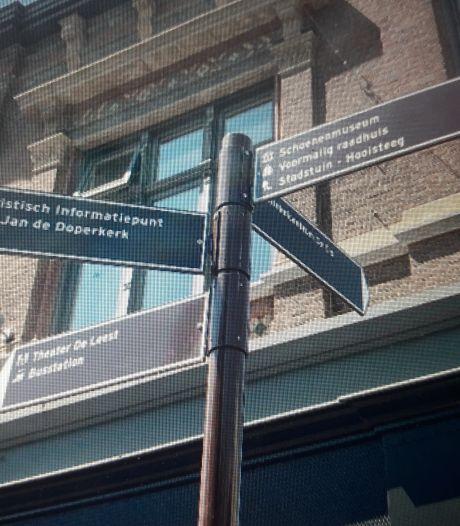 Niet meer zoeken in Waalwijks centrum: nieuwe borden wijzen de weg