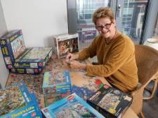 Puzzelfanaat Marianne ruilt haar dozen met anderen: 'Fijne hobby in coronatijd'