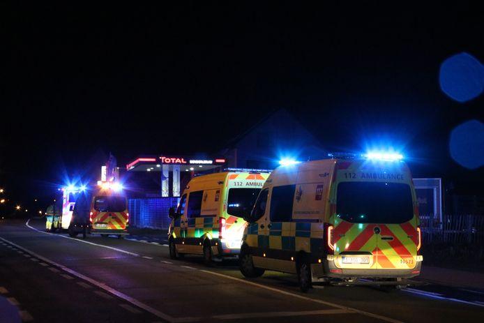 De ambulances kwamen massaal ter plaatse als voorbereiding voor een mogelijk evacuatie.