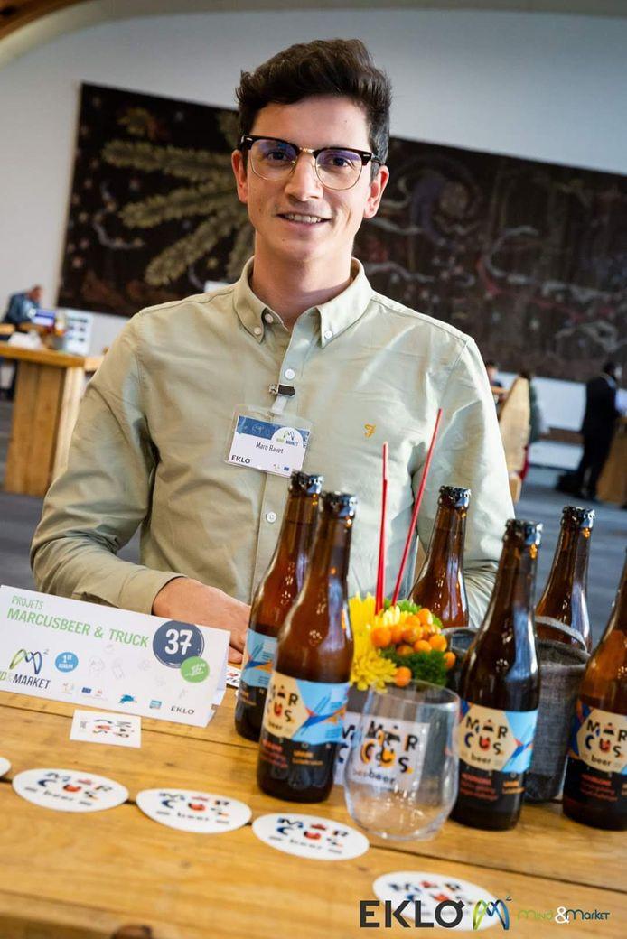 Depuis plus de cinq ans, Marc brasse chez lui. Commercialiser deux bières, c'est un peu comme un premier rêve qui devient réalité.