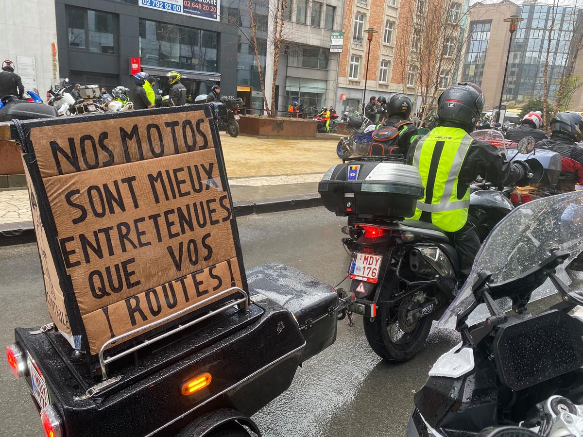 """""""Onze motors zijn beter onderhouden dan jullie wegen."""""""