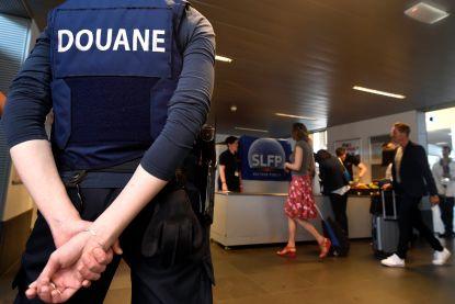 Douaniers houden morgenochtend stiptheidsactie op Brussels Airport: vertraging van een uur mogelijk