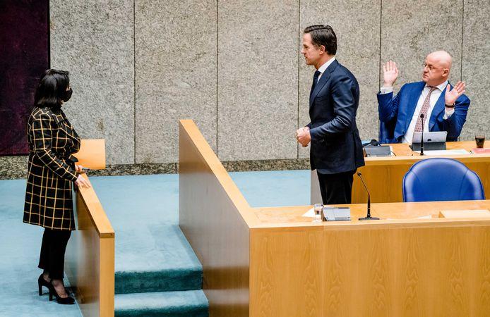 Kamervoorzitter Khadija Arib, demissionair premier Mark Rutte en demissionair Minister Ferdinand Grapperhaus van Justitie en Veiligheid (CDA) tijdens een debat over de avondklok.