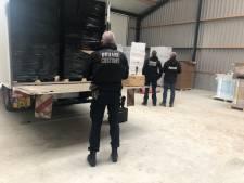 Politie vindt in loods bij toeval 6 miljoen illegale sigaretten en 12.000 kilo tabak