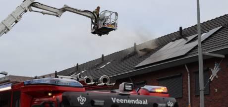Brand op zolder van woning in Veenendaal: vader en kind naar het ziekenhuis