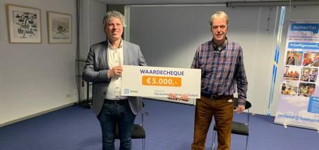 Netwerkbedrijf DNWG schenkt Humanitas 5000 euro