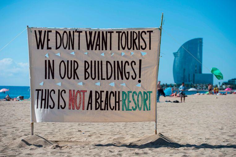 Het verzet tegen het deelplatform Airbnb groeit. De toestroom van toeristen veroorzaakt overlast en stijgende vastgoedprijzen. Beeld AFP