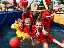 Bouwdorp in Culemborg door hulp groter feest dan ooit