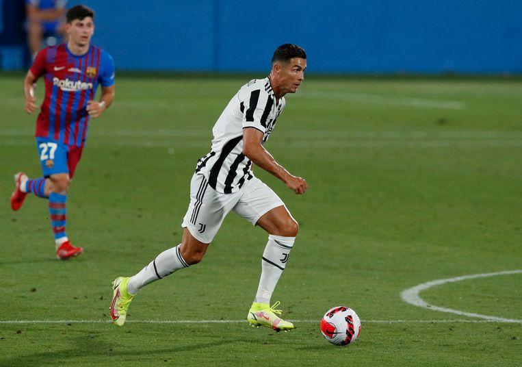 Cristiano Ronaldo in actie in een oefenduel met Barcelona. Beeld Reuters