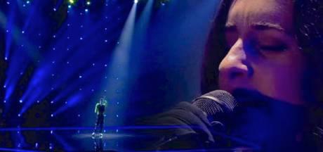 Kijkers vinden bijdrage Eefje de Visser aan opening songfestival te kort