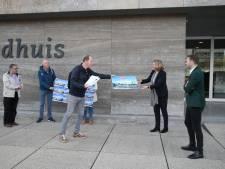 3178 Handtekeningen tegen komst museum Vonk in Eindhoven