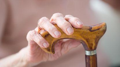 Nederlands Openbaar Ministerie beschuldigt arts van moord in euthanasiezaak rond zwaar dementerende vrouw