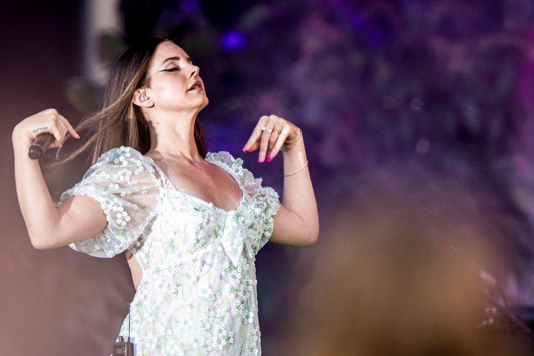 Del Rey tijdens een optreden in Denemarken in 2019. Beeld Gonzales Photo/Avalon