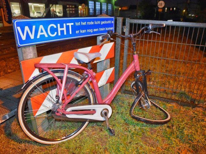 De fiets raakte zwaar beschadigd
