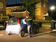 Mysterieuze steekpartij: man stapt onderweg naar familie uit auto en komt terug met steekwond