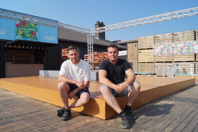 Lorenzo Charle en Robin De Soete openen een zomerbar bij discotheek Place2party