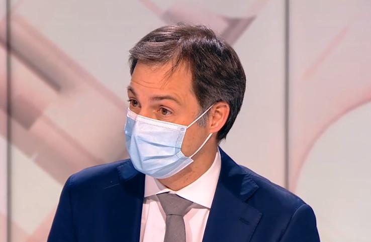 """Le Premier ministre Alexander De Croo sur le plateau de """"Jeudi en Prime"""" sur la RTBF, ce 15 avril 2021."""
