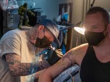Tattoo Pijkie in Harderwijk weer open for business: 'Ik kon niet wachten'