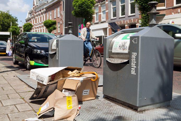 We bestellen nu we meer thuis zijn meer online. Dat is te zien op straat in Rotterdam: overal lege dozen. In plaats van in de oud papierbak. Zonde, vindt Rotterdam. Daarom: maak je doos plat en stop je karton in de container.
