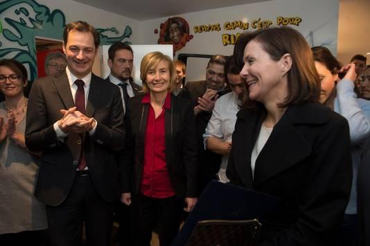 Le ministre de la Coopération au développement et de l'Agenda numérique Alexander De Croo, la bourgmestre de Molenbeek Françoise Schepmans et l'ambassadrice américaine en Belgique Denise Bauer.