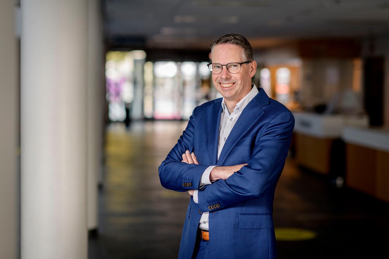 """Directeur Raoul Boer van Schouwburg Hengelo: """"Het is verschrikkelijk als we mensen naar huis moeten sturen. Maar we hebben geen keuze."""""""