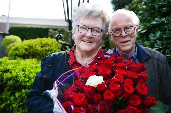 """Ep en Riet Barneveld zijn woensdag 60 jaar getrouwd. """"We hielden elkaar de hele tijd in de gaten."""""""