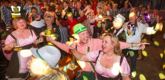Het Vudel Koningsfest aan de Knokert te Veghel.