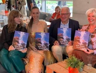 Boekvoorstelling over zeemeerminnen? Daar hoort een gratis foto met een écht exemplaar bij