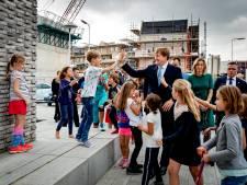 Koning Willem-Alexander brengt bezoek aan Utrechtse wijken Overvecht en Veemarkt