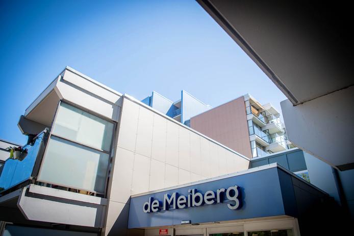 De Meiberg in Meijhorst is een flat waar vorig jaar al maatregelen voor een betere brandveiligheid zijn genomen.