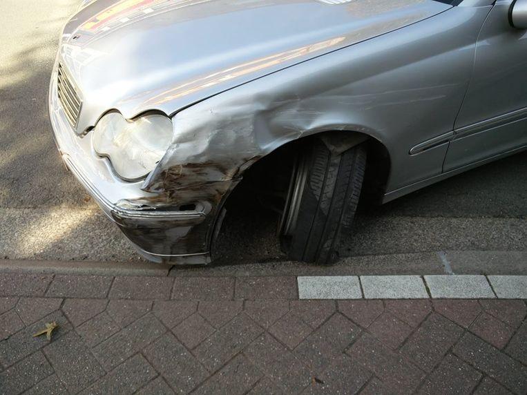 Er was zichtbare schade aan de drie voertuigen.