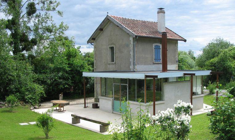 Origineel logeren kan in deze voormalige spoorwachterswoning Usine de consenvoye in Frankrijk.  Beeld RV