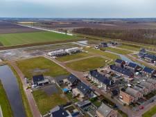 Vier gezinnen slepen gemeente Noordoostpolder voor rechter om kavelgate Marknesse: 'We staan met rug tegen de muur'