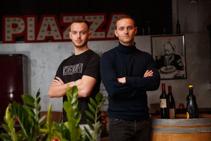 """Matteo Castro (rechts, links zijn broertje Giulio) over Italië: ,,Het vertrouwen en de passie straalt van dit elftal af."""""""